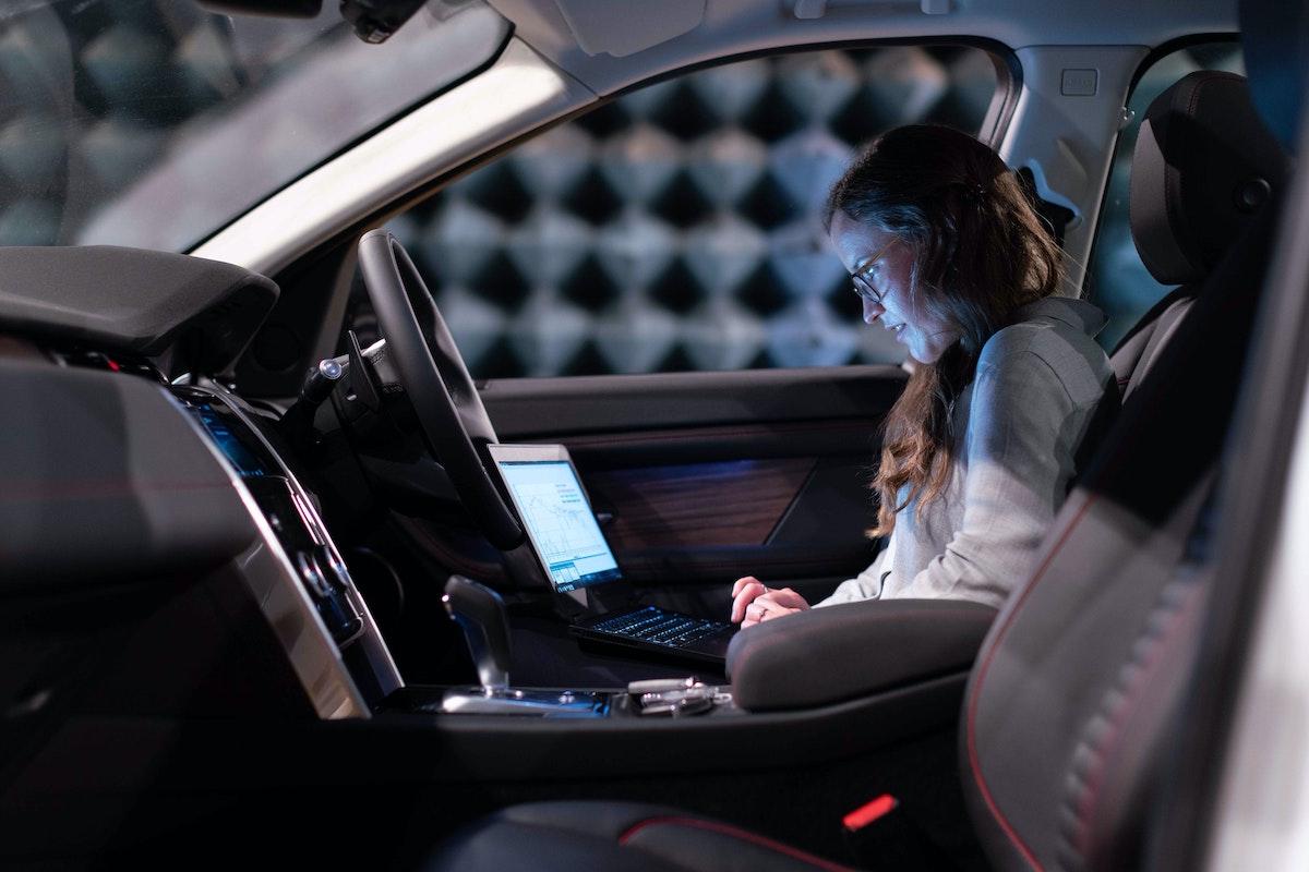 Bitkom-Studie: Autobranche sieht sich digital gewappnet