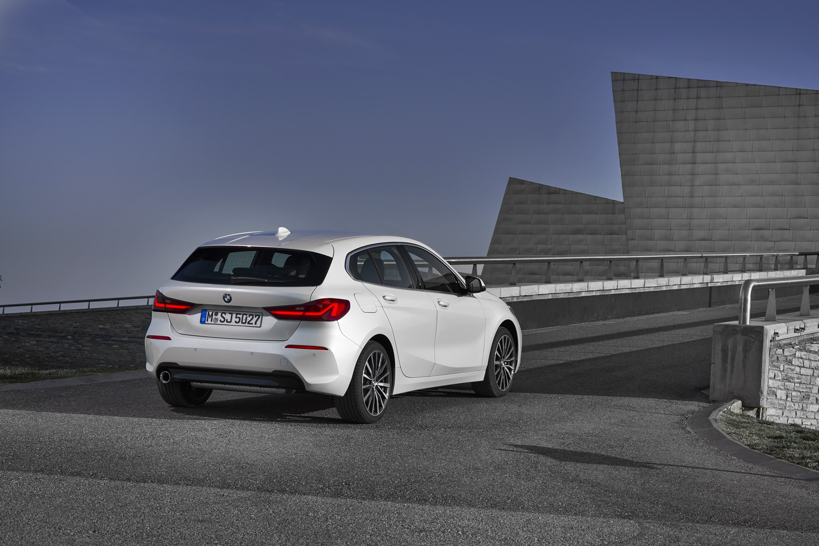 BMW-118i-11