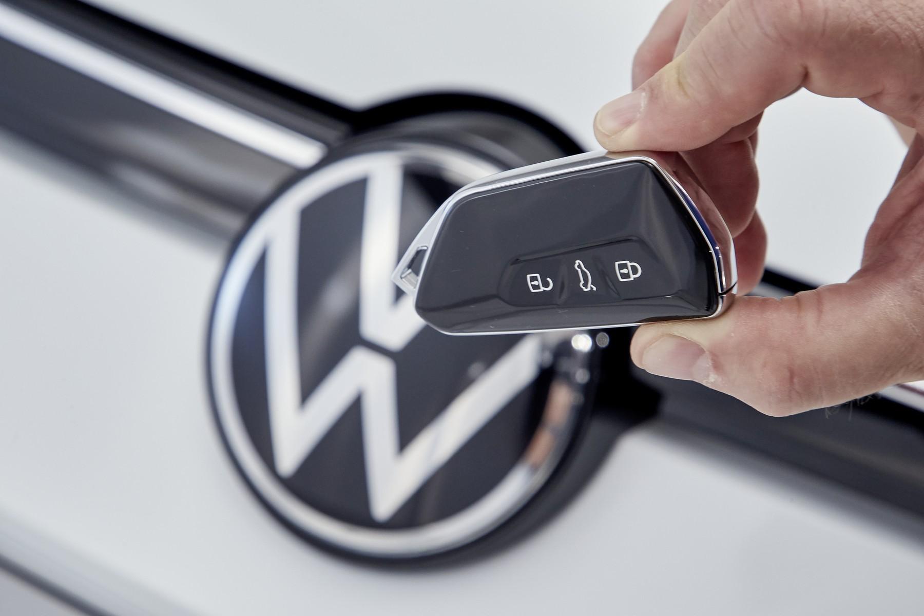 VW-Golf-8-20