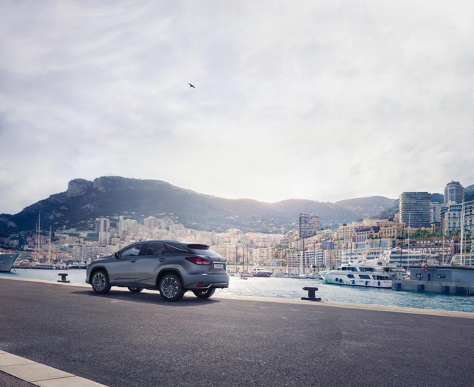 Lexus_RX_450h_2019_7