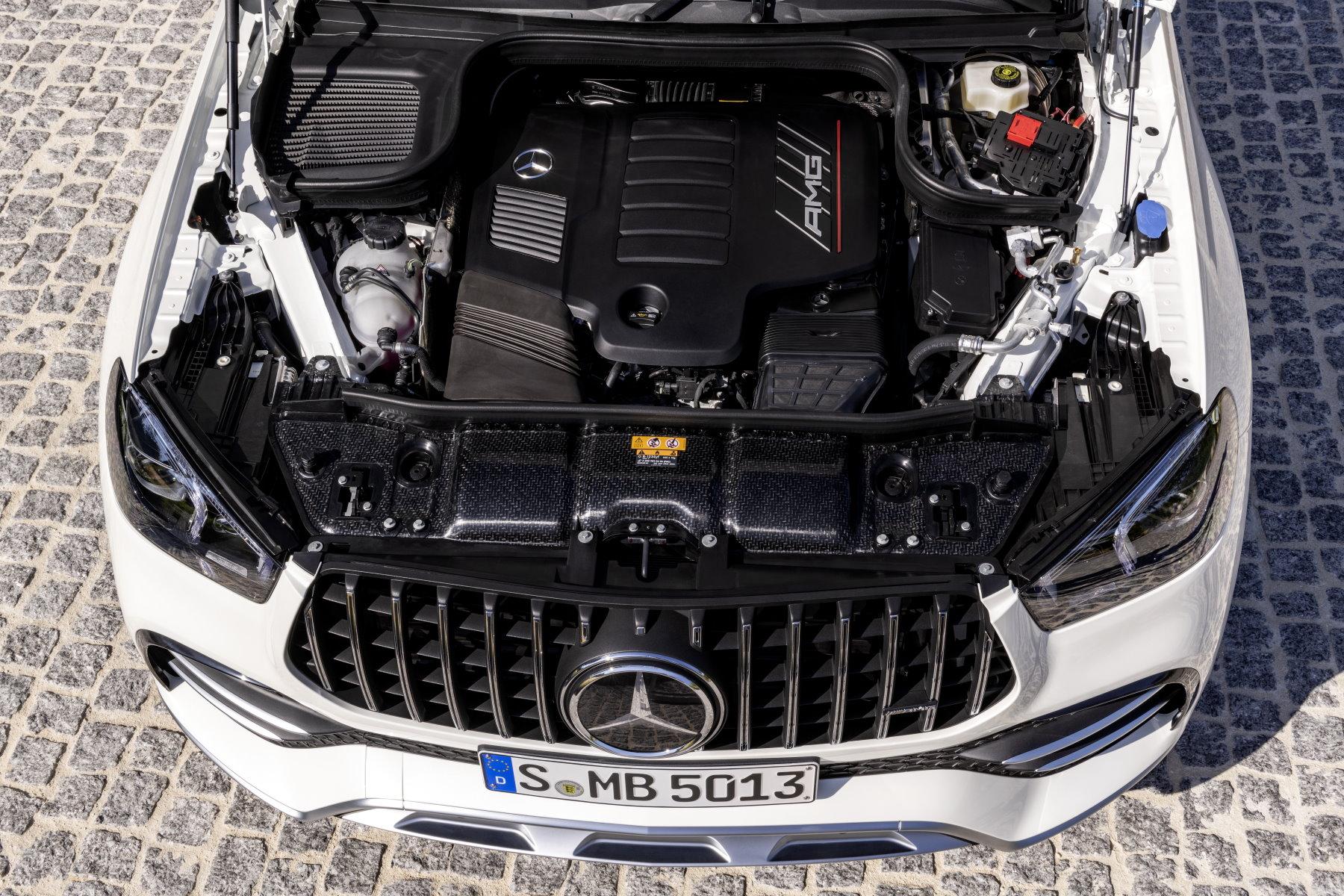 Mercedes-AMG-GLE-53-1