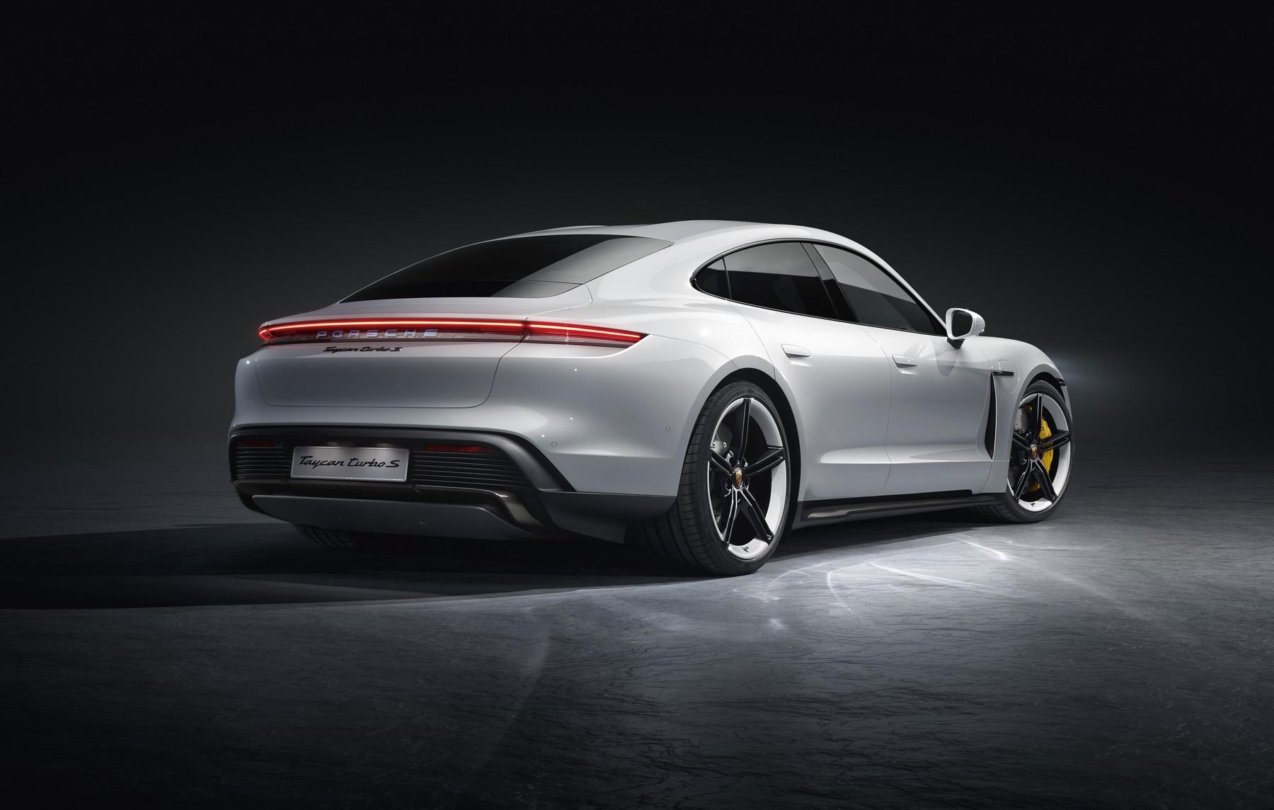 Porsche-Taycan-4