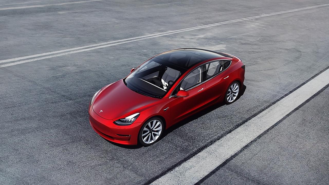 Teslas Model 3 startet bei 44.500, für eine optimale Ausstattung wird aber schnell ein fünfstelliger Aufschlag fällig.