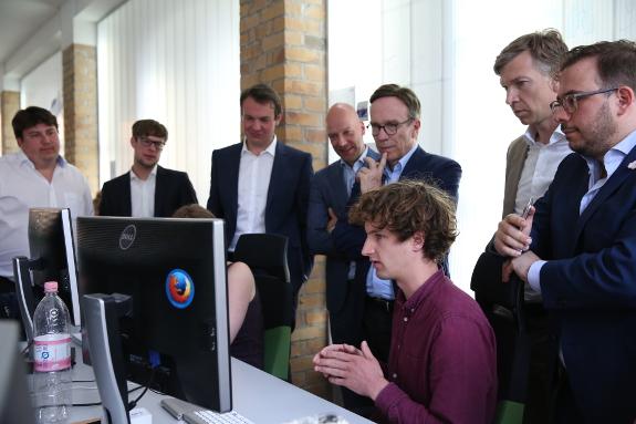 2016.05.10_ally-company_VDA-Wissmann-Visit-Geo-Team-Interactive