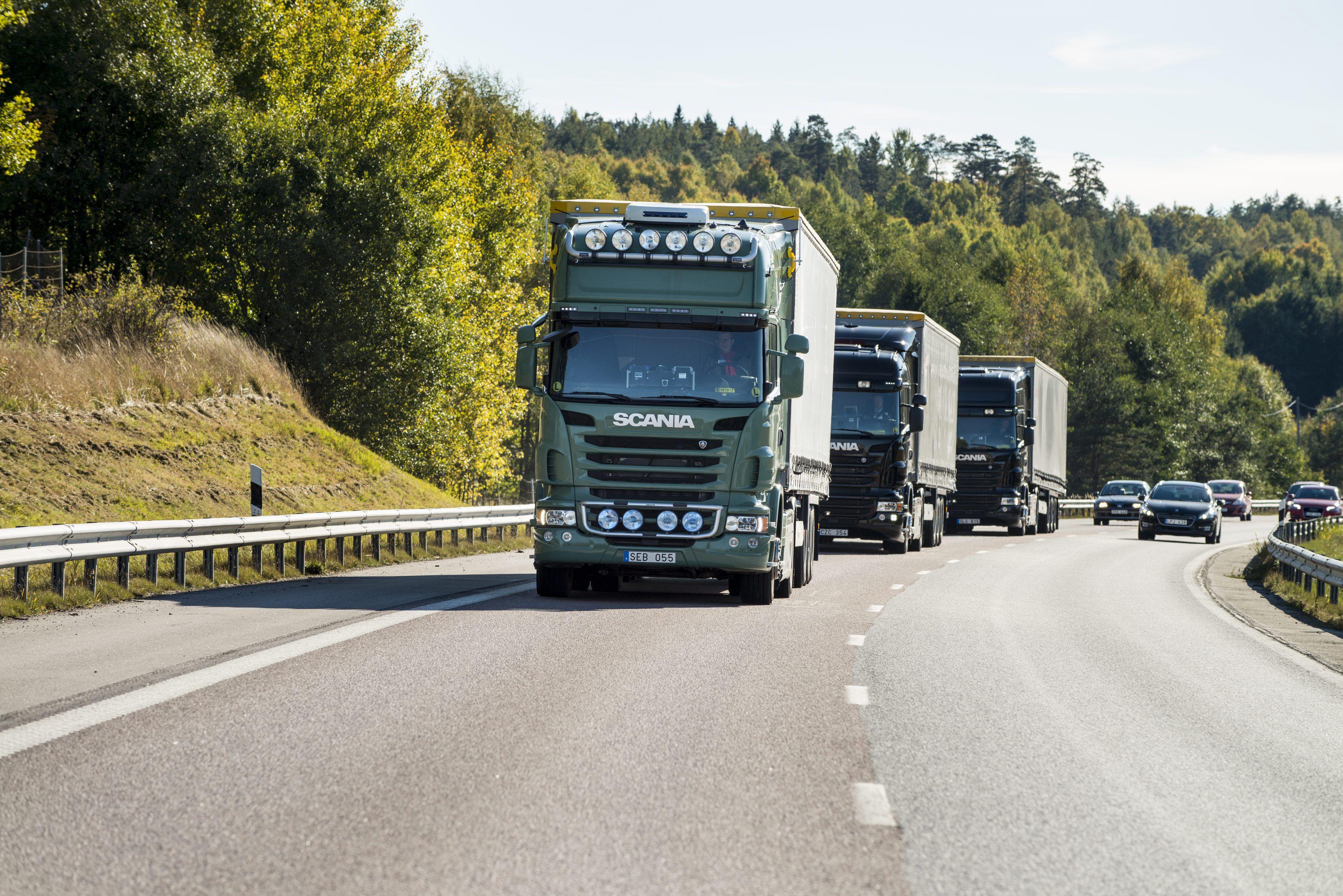 Scania entwickelt Lkw-Platooning im Hafen von Singapur - carIT
