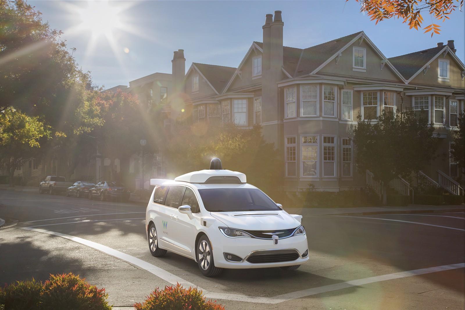 Waymo Fahrer autonomes Fahren Transdev