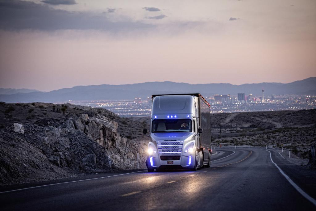 Daimler Trucks autonom