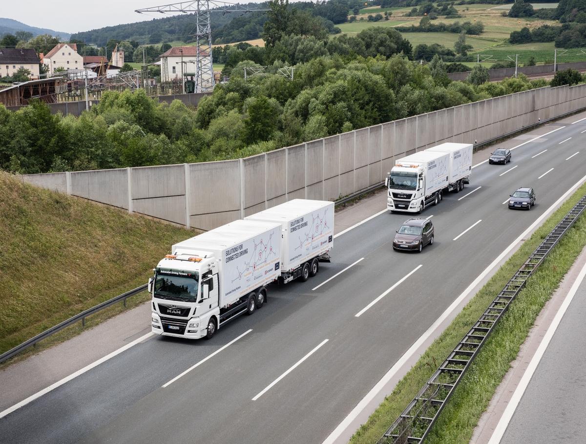 Platooning Lkw Autobahn