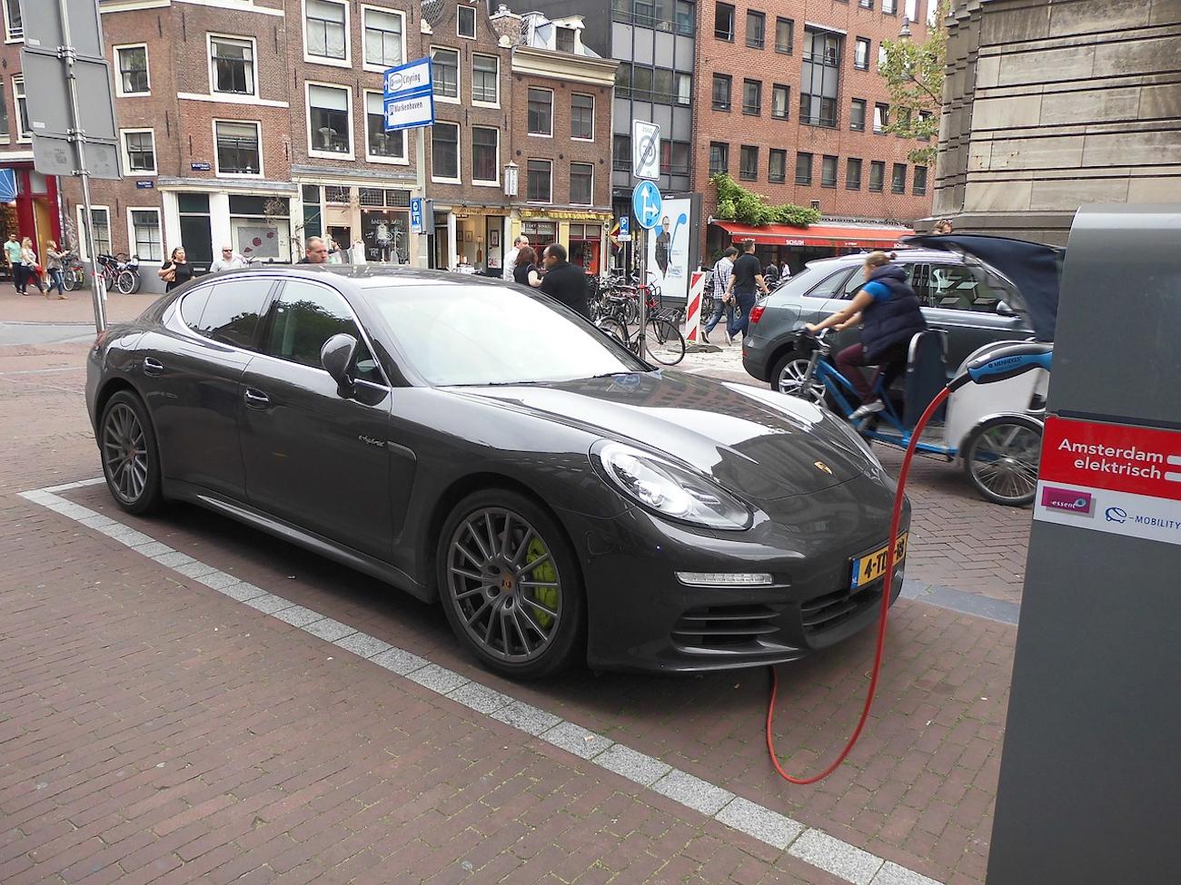 Niederlande Elektromobilität Ladeinfrastruktur
